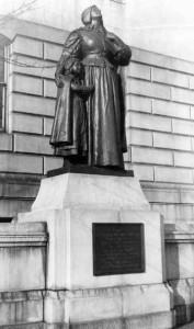 Anne Hutchinson Statue